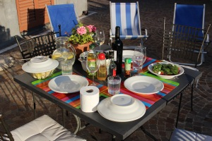 Al fresco dining is easy and fun!