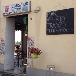 Mistral Bar, chalkboard advertising