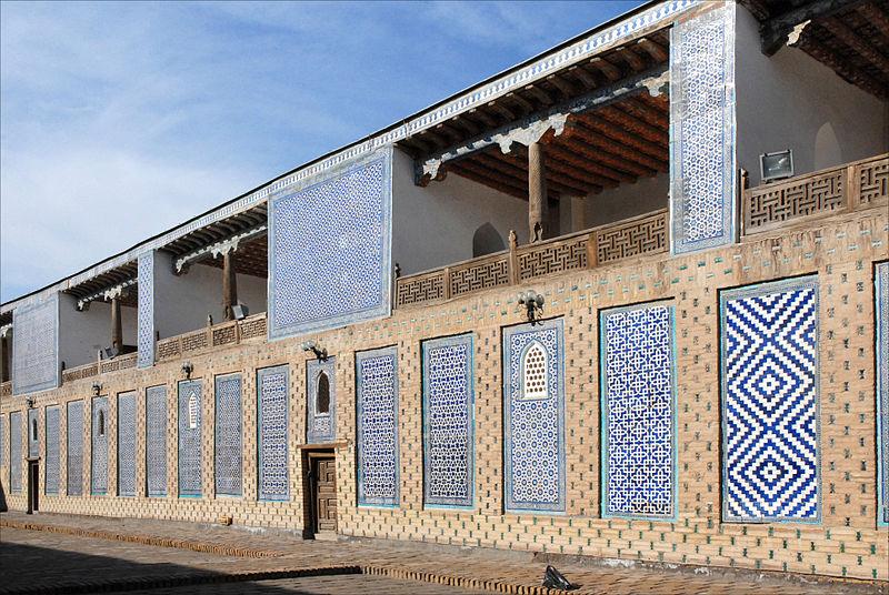 800px-Le_harem_de_Tash_Khauli_(Khiva,_Ouzbékistan)_(5586429701)
